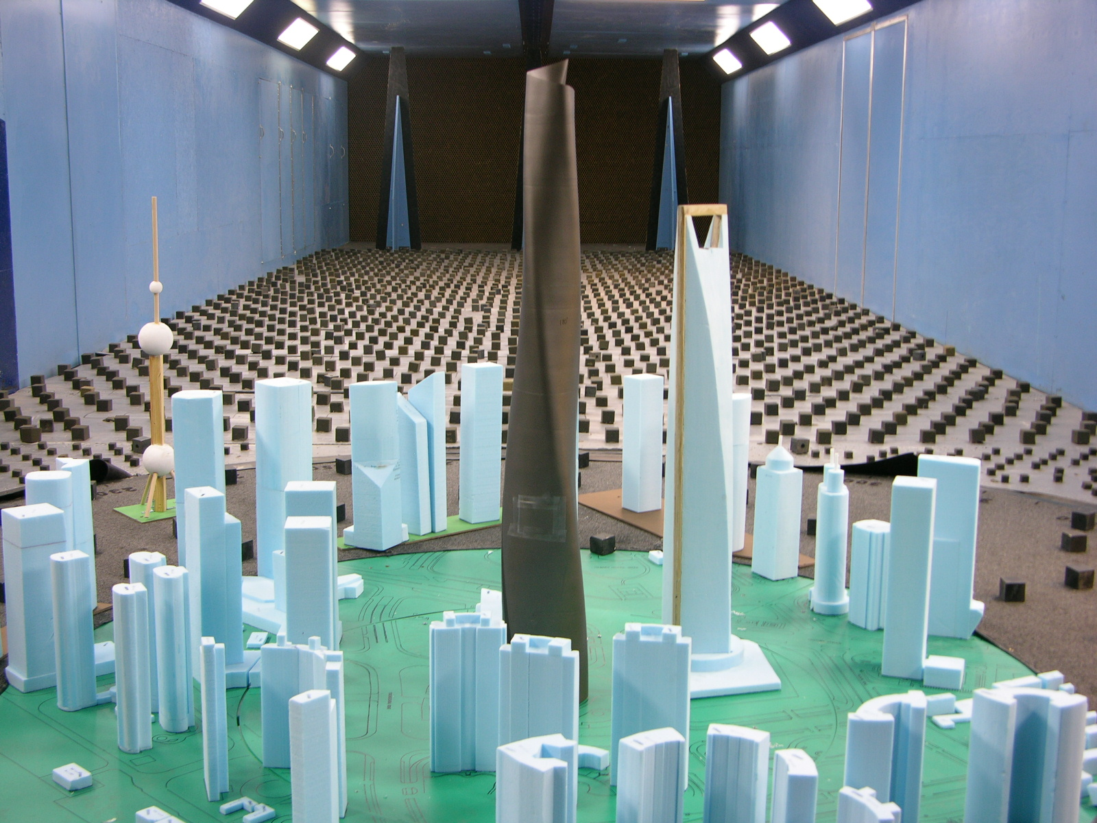 shanghai tower model in wind tunnel